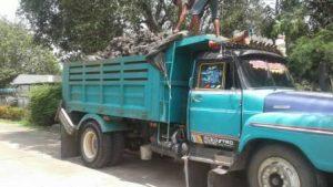 รถบรรทุก หกล้อ ส่งดิน